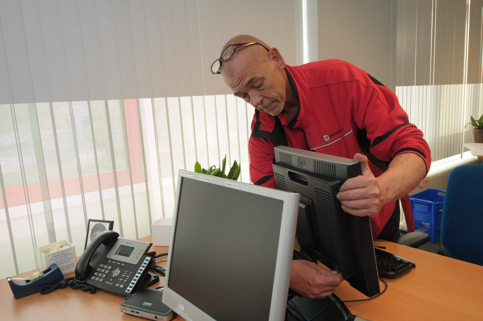 Deudekom kantoorverhuizingen handymandiensten