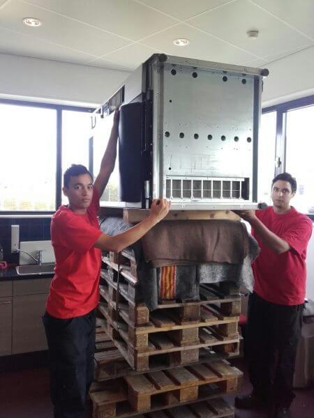 inhuizen snoepautomaat - Deudekom Projectverhuizingen
